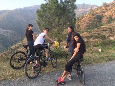 shanaya Kapoor Cycling with friends