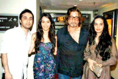 Shraddha Kapoor Family Photo