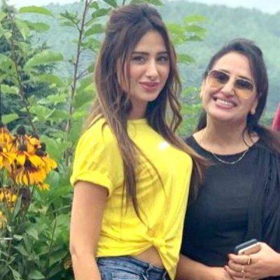 Mahira Sharma with Mother