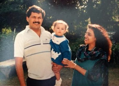 Parineeti Chopra Chi;dhood Pic with Parents