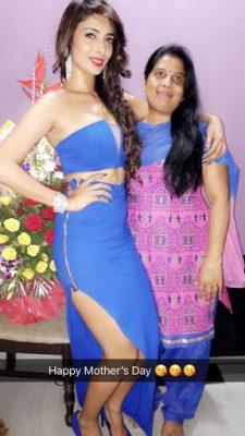 Heena Panchal With Her Mother
