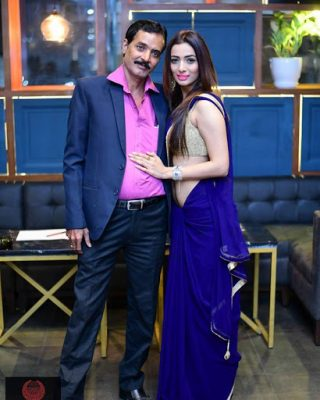 Heena Panchal With Her Father