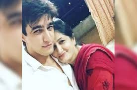 Mohsin Khan With His Mother Mehzabin Khan