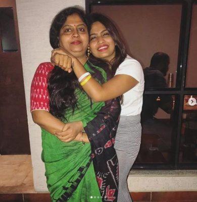 Alekhya Harika With Her Mother Jyothi