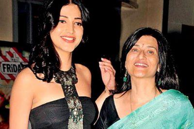 Shruti Haasan With Her Mother Sarika