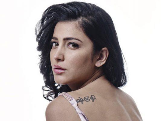 shruti haasan tattoo on her back