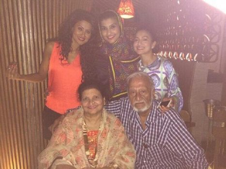 Gauhar Khan Family Photos With Father Mother And Sister