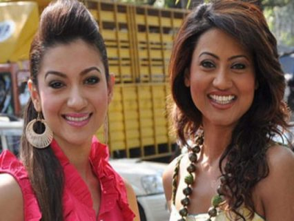 Gauhar Khan With Her Sister Nigaar Khan