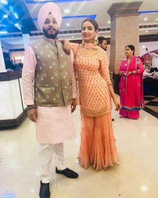 Jasmine Bhasin With Her Brother Sardar Mankaran Singh