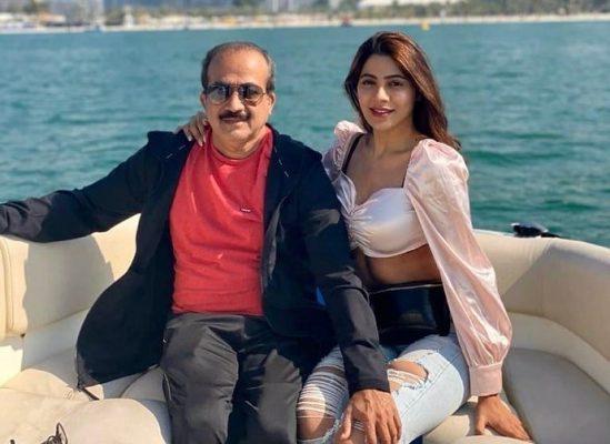 Nikki Tamboli With Her Father Digambar Tamboli