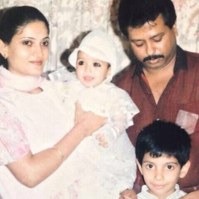 Vikrant-Massey-with-his-family