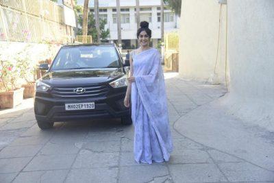 Adah Sharma With her Car