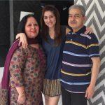 Bhavana-Pandey-with-her-parents